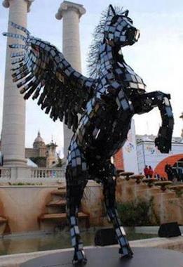 مجسمه اي با 3500 گوشي در نمایشگاه موبایل بارسلون