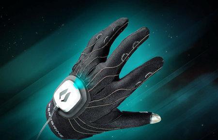 peregrine_gaming_glove-thumb-450x337