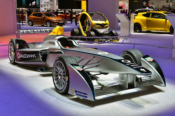 2014-Spark-Renault-SRT-01E-01