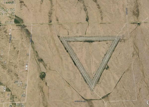 «ویتمن» در آریزونای آمریکا، این مثلث بزرگ چیست؟