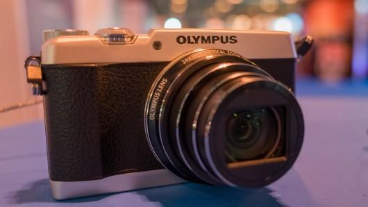 hands-on-olympus-sh-1