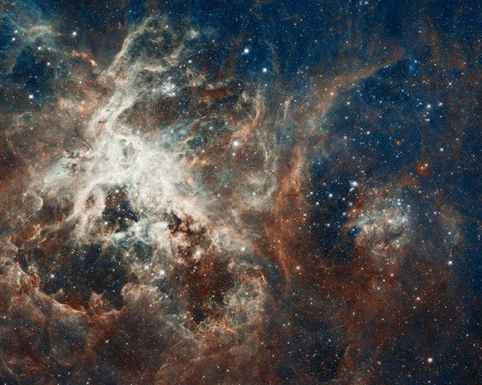 hubble-best-photos-turbulent-star-making-region