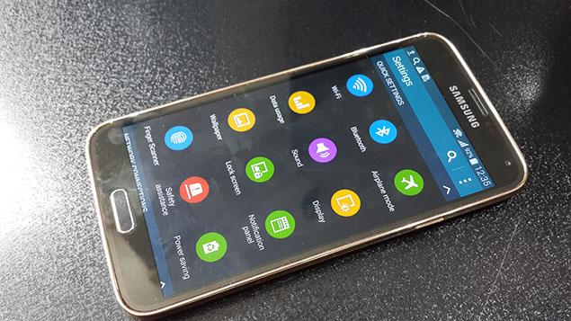x30-Galaxy-S5-Review-toranji