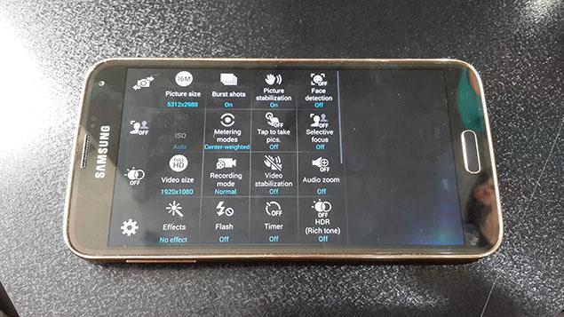 x36-Galaxy-S5-Review-toranji