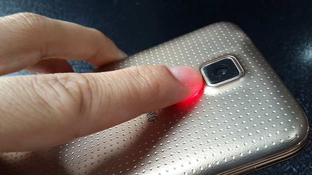 x37-Galaxy-S5-Review-toranji