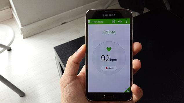 x39-Galaxy-S5-Review-toranji