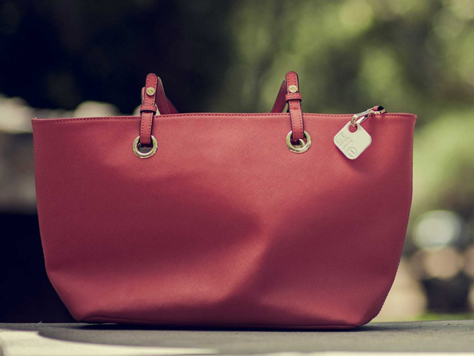 tile-red-purse