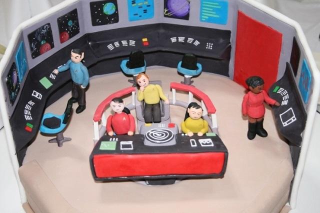 363165-star-trek-cake