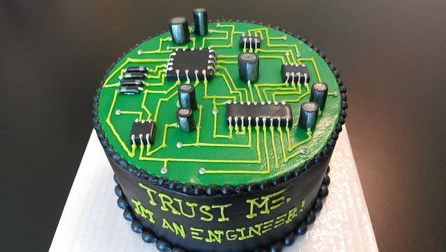 363169-circuit-board-cake