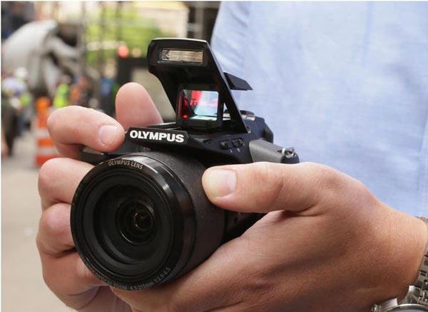 Olympus-Stylus-SP-100
