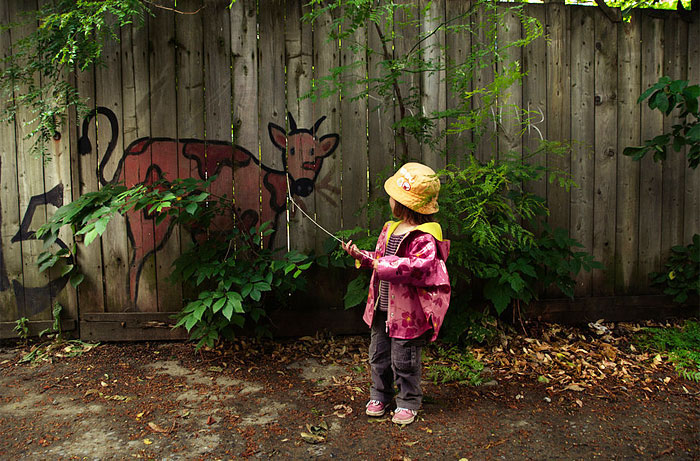 street-art-interacts-with-nature-27