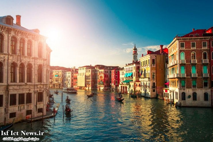 Top-29-Colorful-Grand-Canal-Photo-by-Constantin-Gololobov