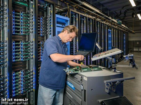 به خاطر روش خاص اتصال سرورها در این پایگاه داده ای، تکنیسین ها به راحتی می توانند قطعات معیوب را پیدا کرده، از مدار خارج و یا تعمیرشان کنند.