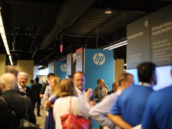after-rumored-talks-to-acquire-emc-failed-whitman-decided-to-take-the-drastic-measure-of-splitting-hp-into-two-companies-each-divided-company-will-still-be-huge-fortune-50-